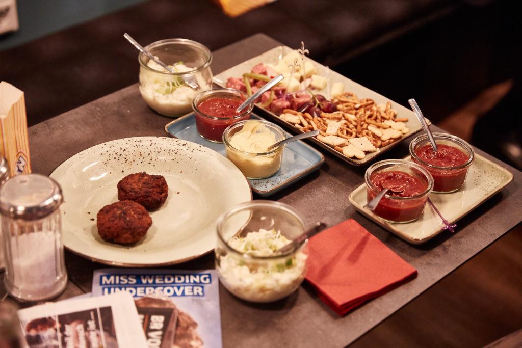 Essen auf einem Tisch